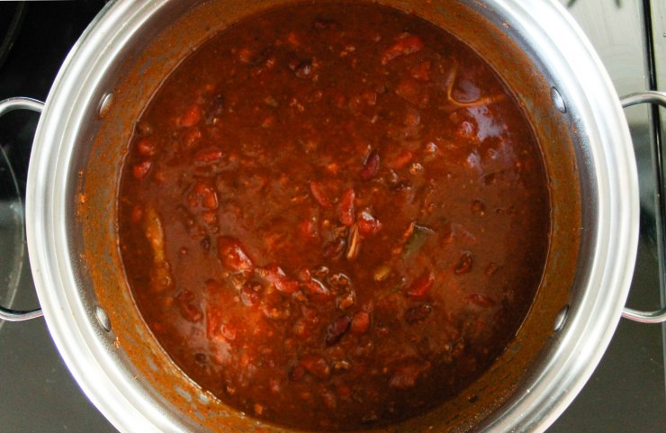 Chili in pot (1 of 1)